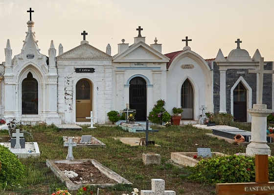 Tombs and gravestones